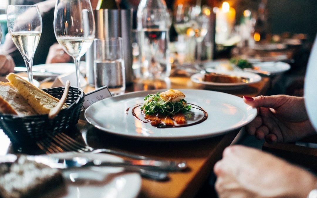 ¿Cómo organizar tu cena de empresa perfecta?